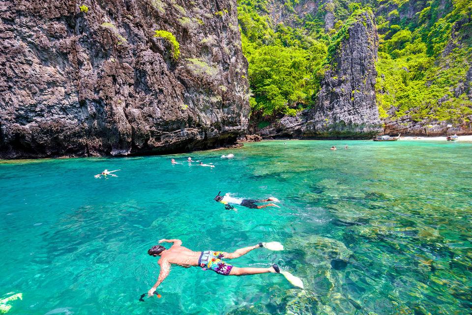 phi phi island snorkeling tour